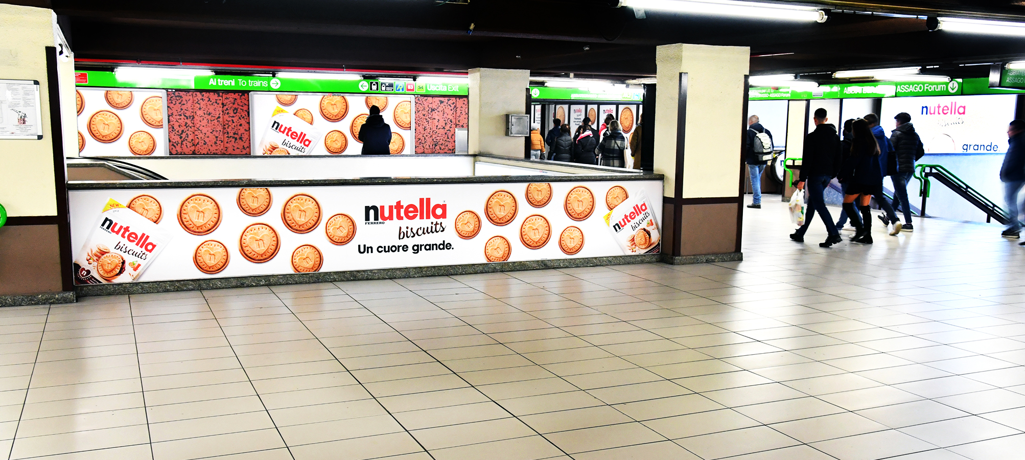 Station Domination IGPDecaux a Milano per Ferrero Nutella Biscuits