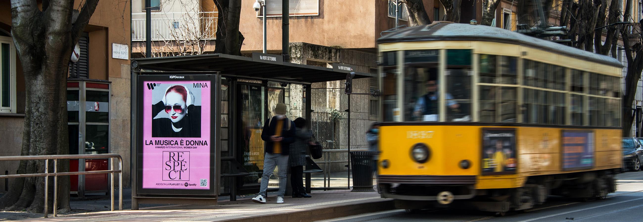 Pubblicità sulle pensiline IGPDecaux Milano Warner Music Italy