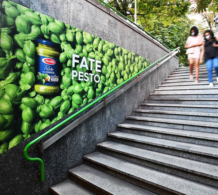 Out of Home advertising in Milan IGPDecaux Station Domination for Barilla