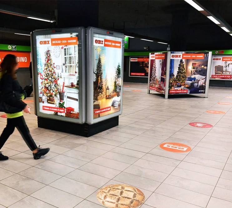 OOH advertising in Milan IGPDecaux Station Domination for OBI Italia