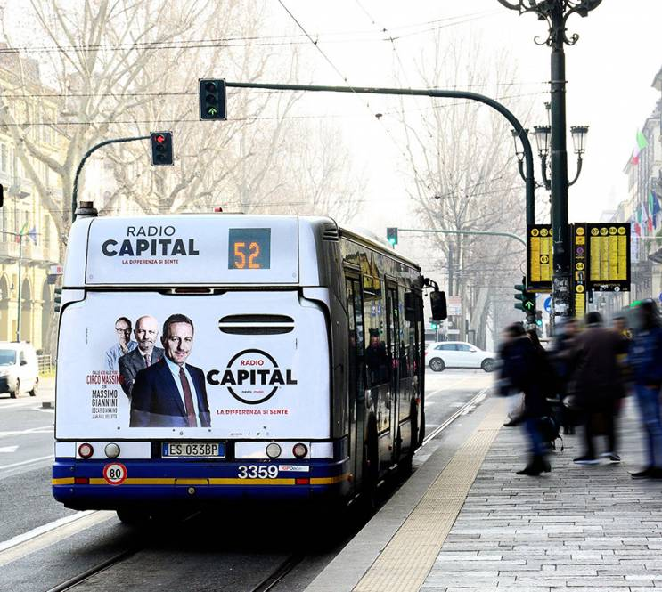 OOH advertising IGPDecaux in Turin Full-Back for Radio Capital