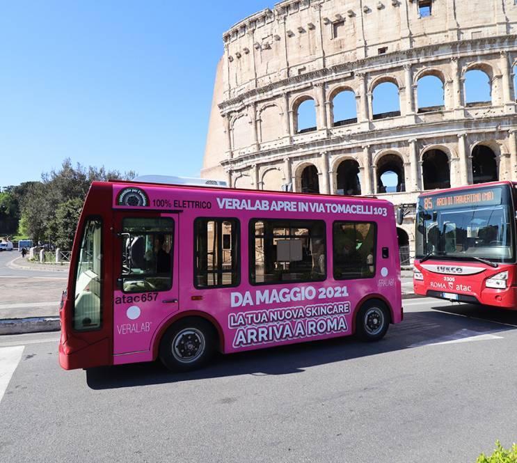 IGPDecaux OOH advertising a Roma pubblicità su autobus per L'Estetista Cinica