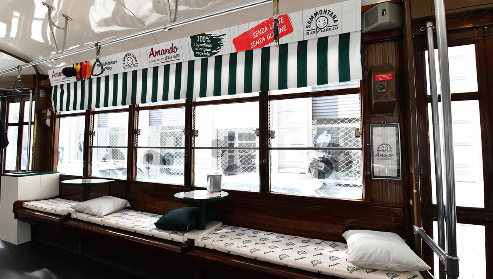 IGPDecaux Sammontana Special Tram in Milan