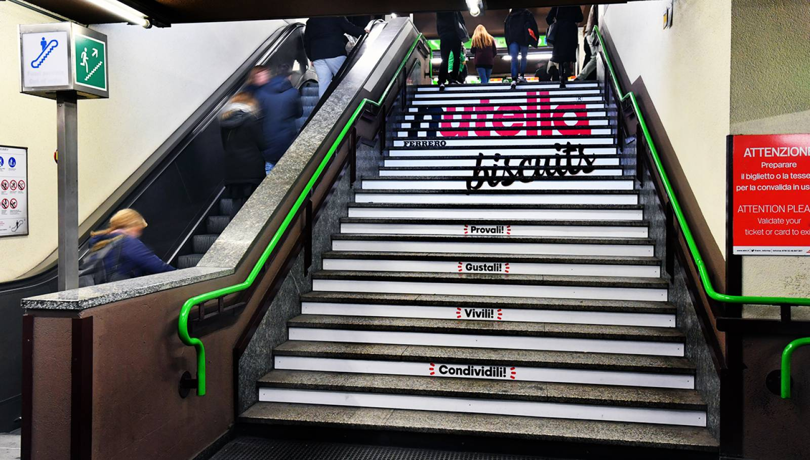 Underground OOH advertising IGPDecaux Station Domination for Ferrero Nutella Biscuits in Milan