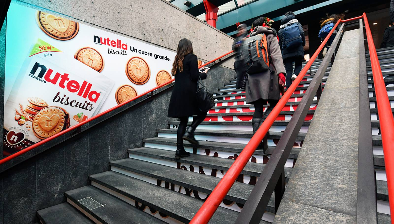 IGPDecaux Out of Home adv in Milan Step Domination for Ferrero Nutella Biscuits