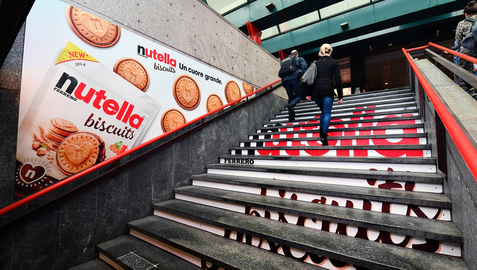 IGPDecaux Step Domination in Milan for Ferrero Nutella Biscuits