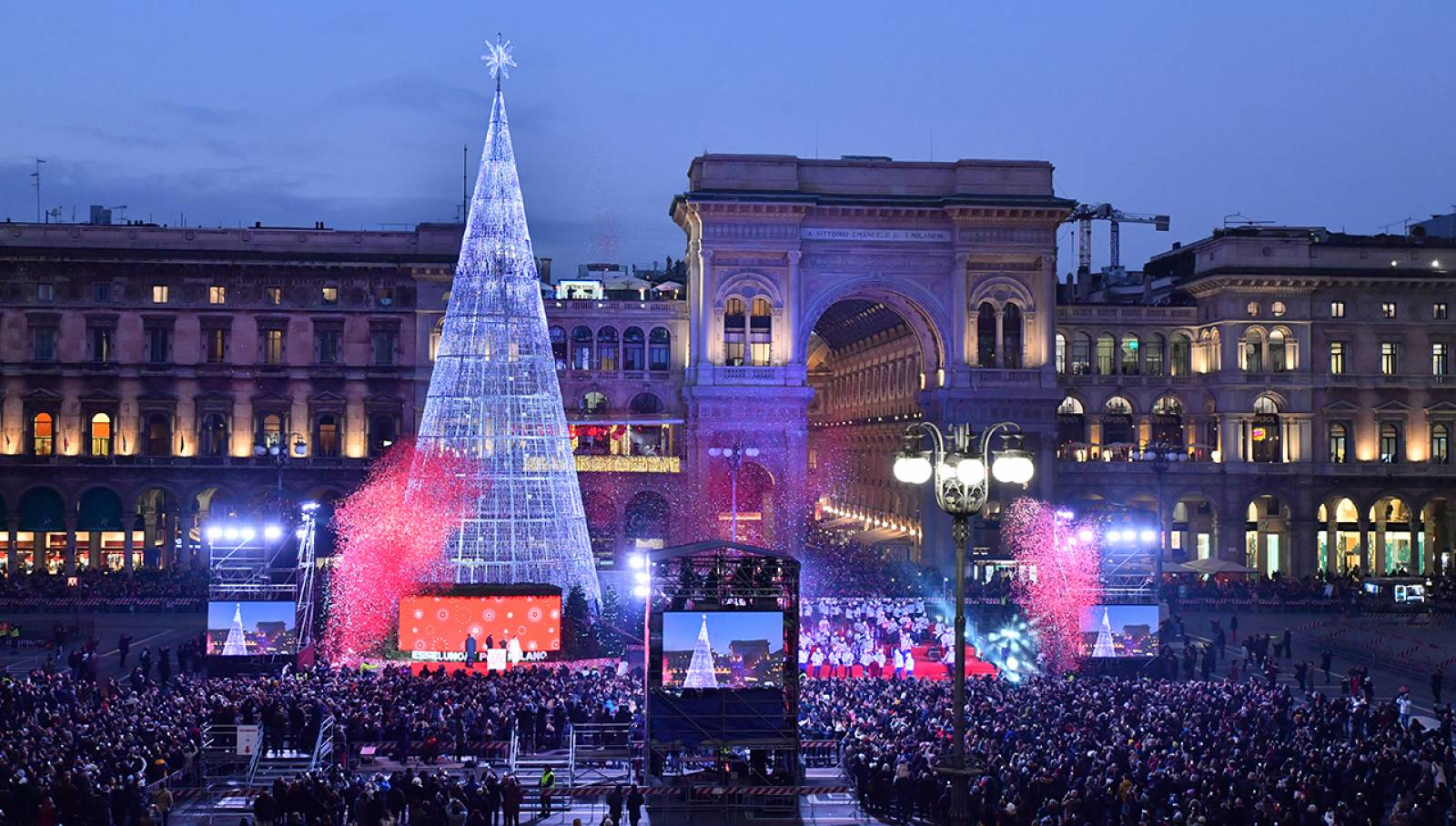 IGPDecaux Milano Piazza Duomo Albero di Natale 2019 Esselunga