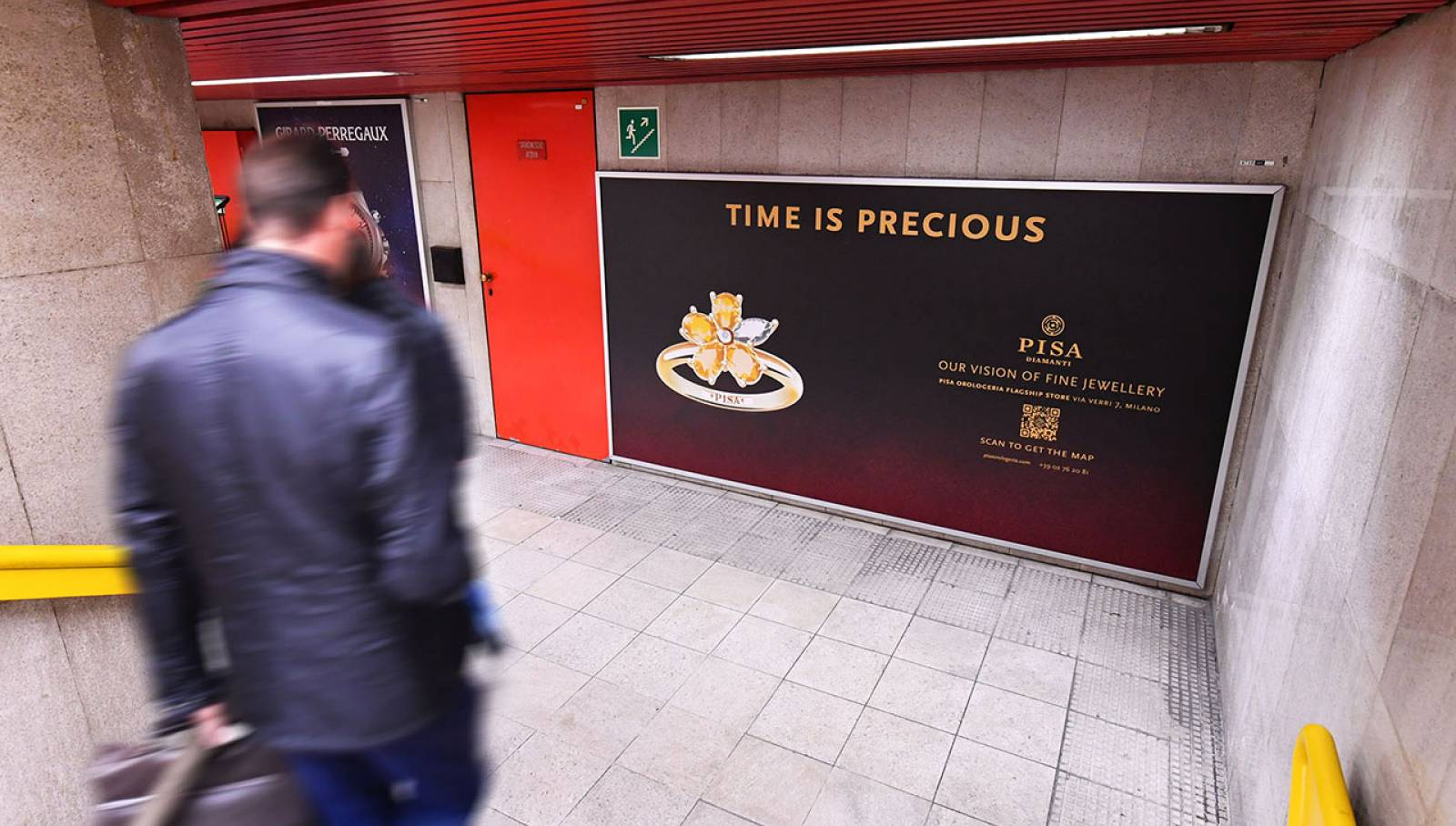 OOH IGPDecaux a Milano Station Domination Pisa Orologeria