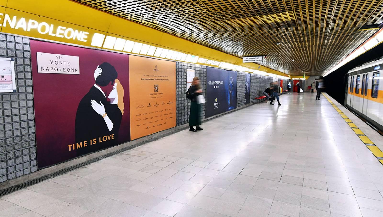 Pubblicità Out of Home IGPDecaux a Milano Station Domination per Pisa Orologeria