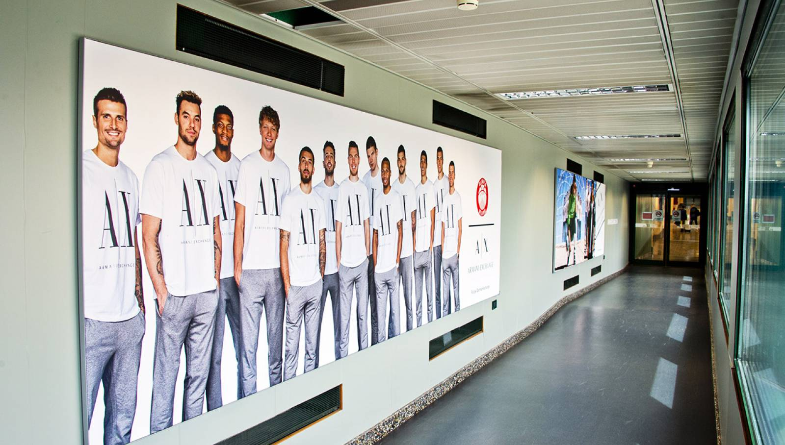 Out of Home advertising IGPDecaux at Malpensa airport for Armani