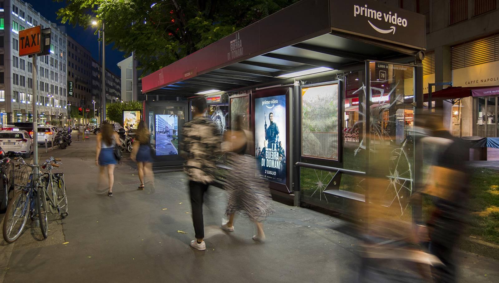 IGPDecaux Milano Brand pensilina Creative Solutions per Amazon Prime Video