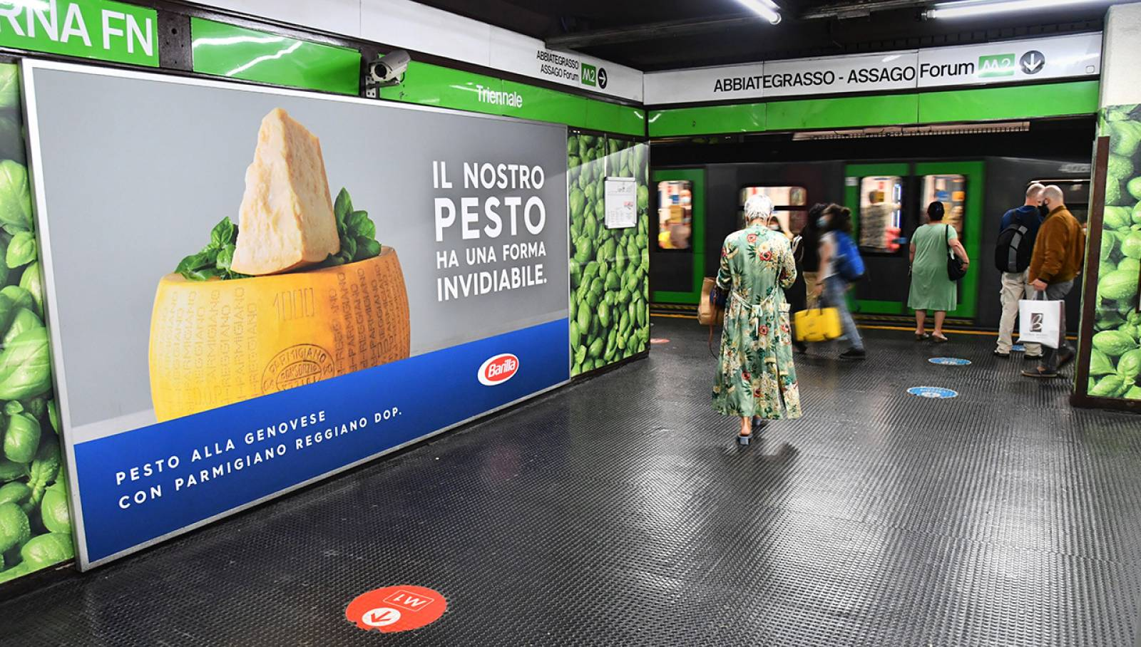 Pubblicità in metropolitana a Milano Cadorna Station Domination IGPDecaux per Barilla