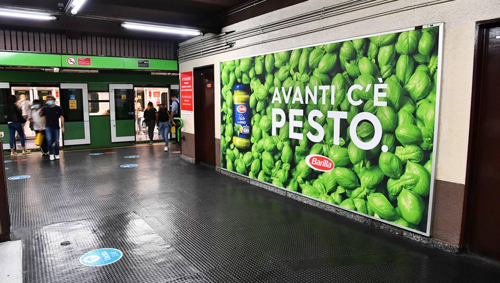 OOH IGPDecaux a Milano Cadorna Station Domination per Barilla