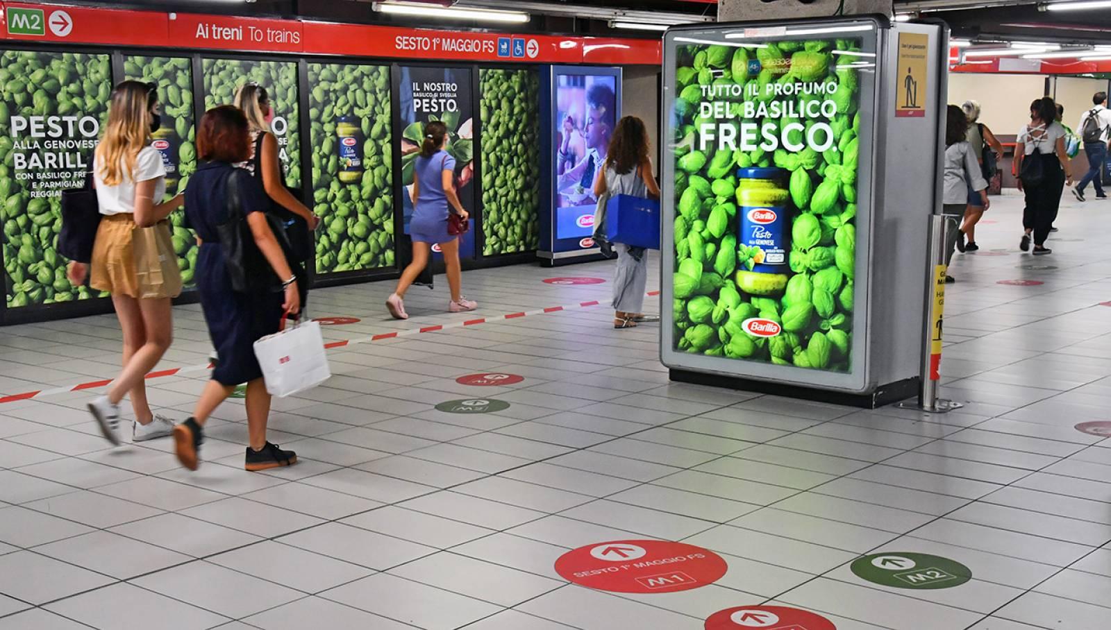 IGPDecaux Milano pubblicità Out of Home in metropolitana Station Domination per Barilla