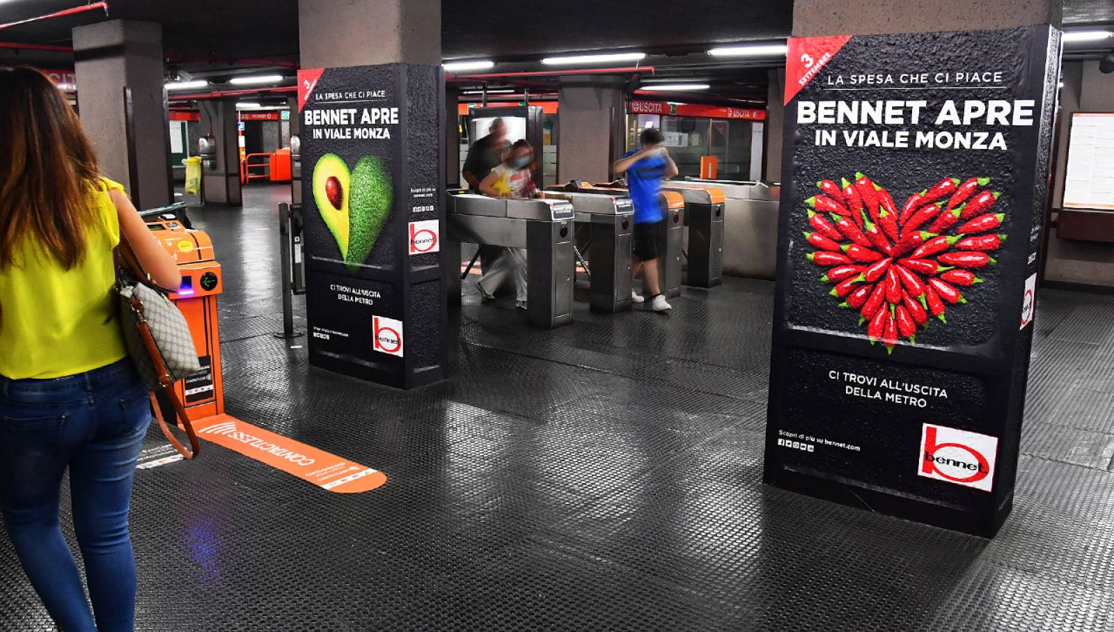 OOH IGPDecaux Milano Station Domination per Bennet