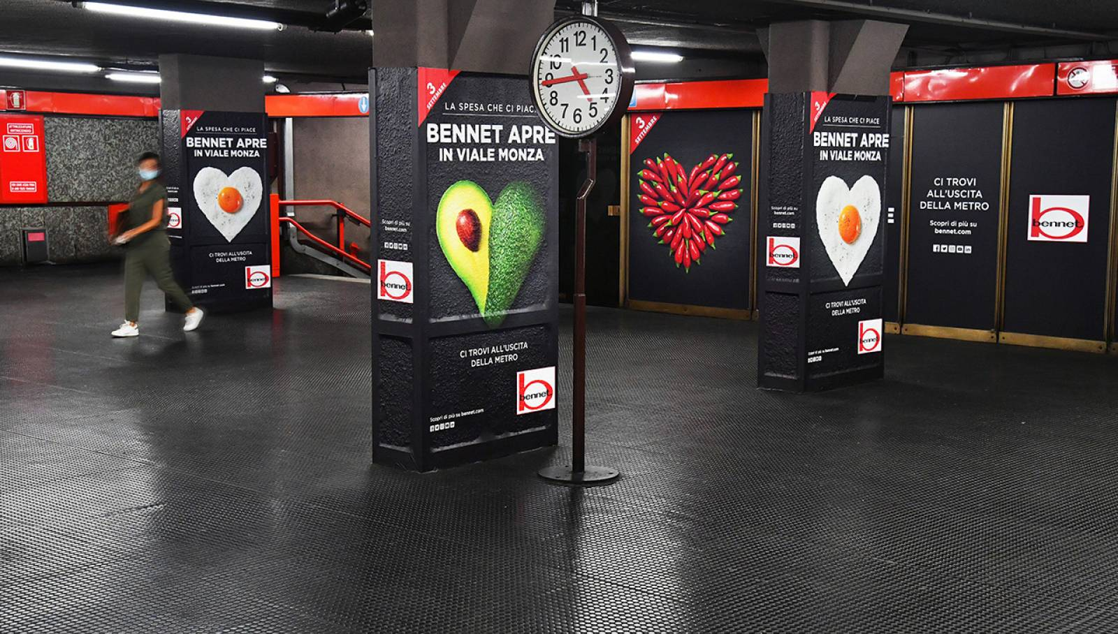 OOh advertising in Milan IGPDecaux Station Domination for Bennet