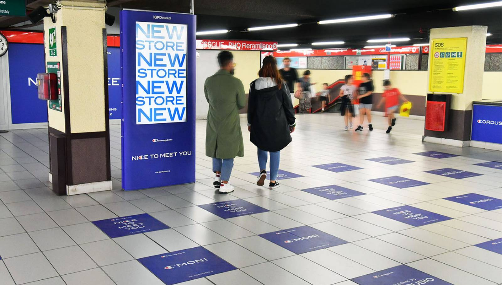 Underground advertising Milano Station Domination IGPDecaux for Champion