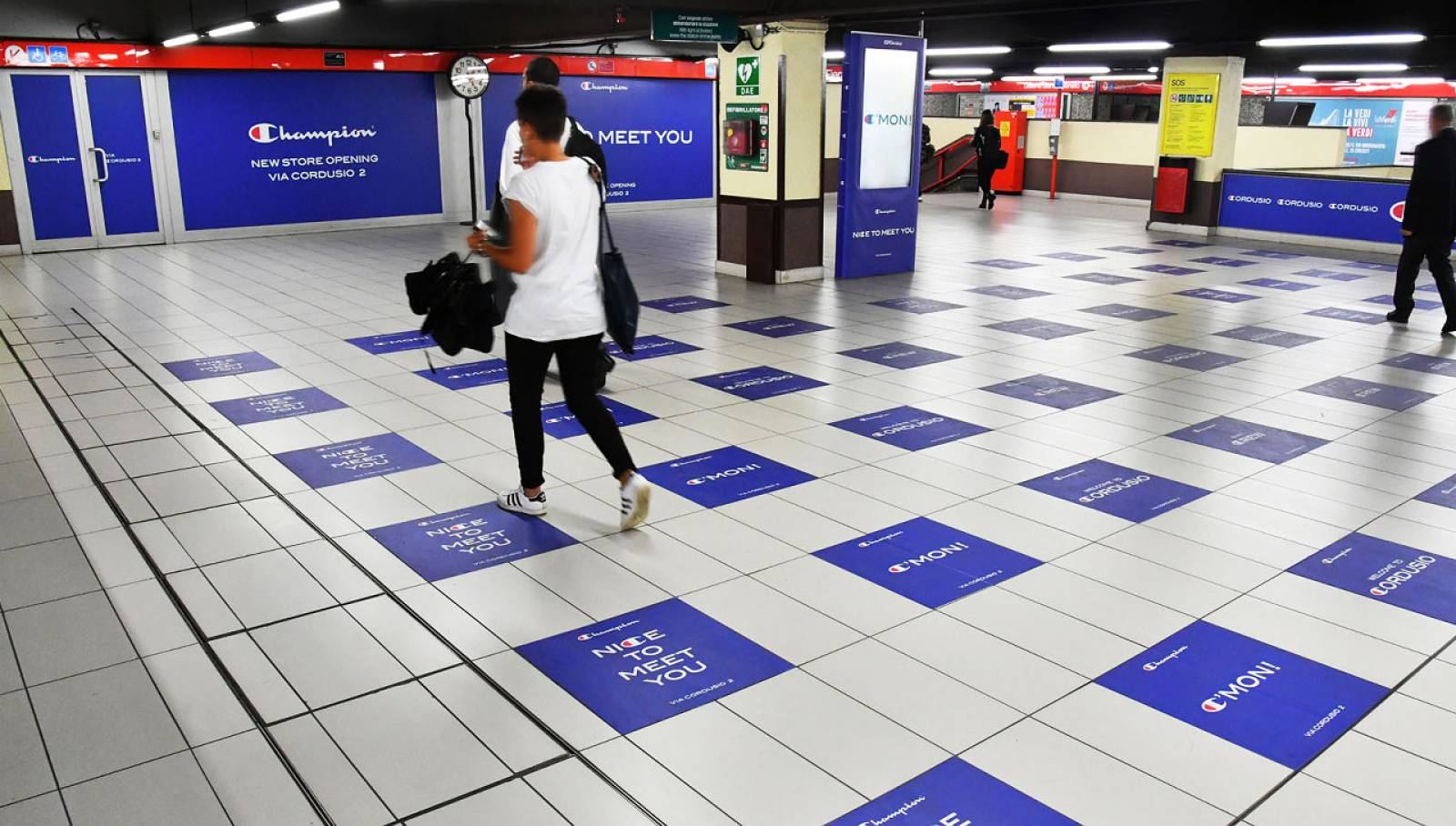 Underground OOH advertising in Milan IGPDecaux Station Domination for Champion