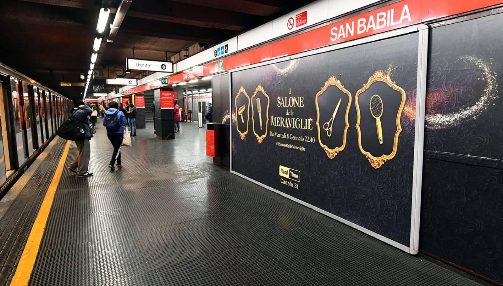 Pubblicità metro Milano IGPDecaux station domination per Discovery Channel