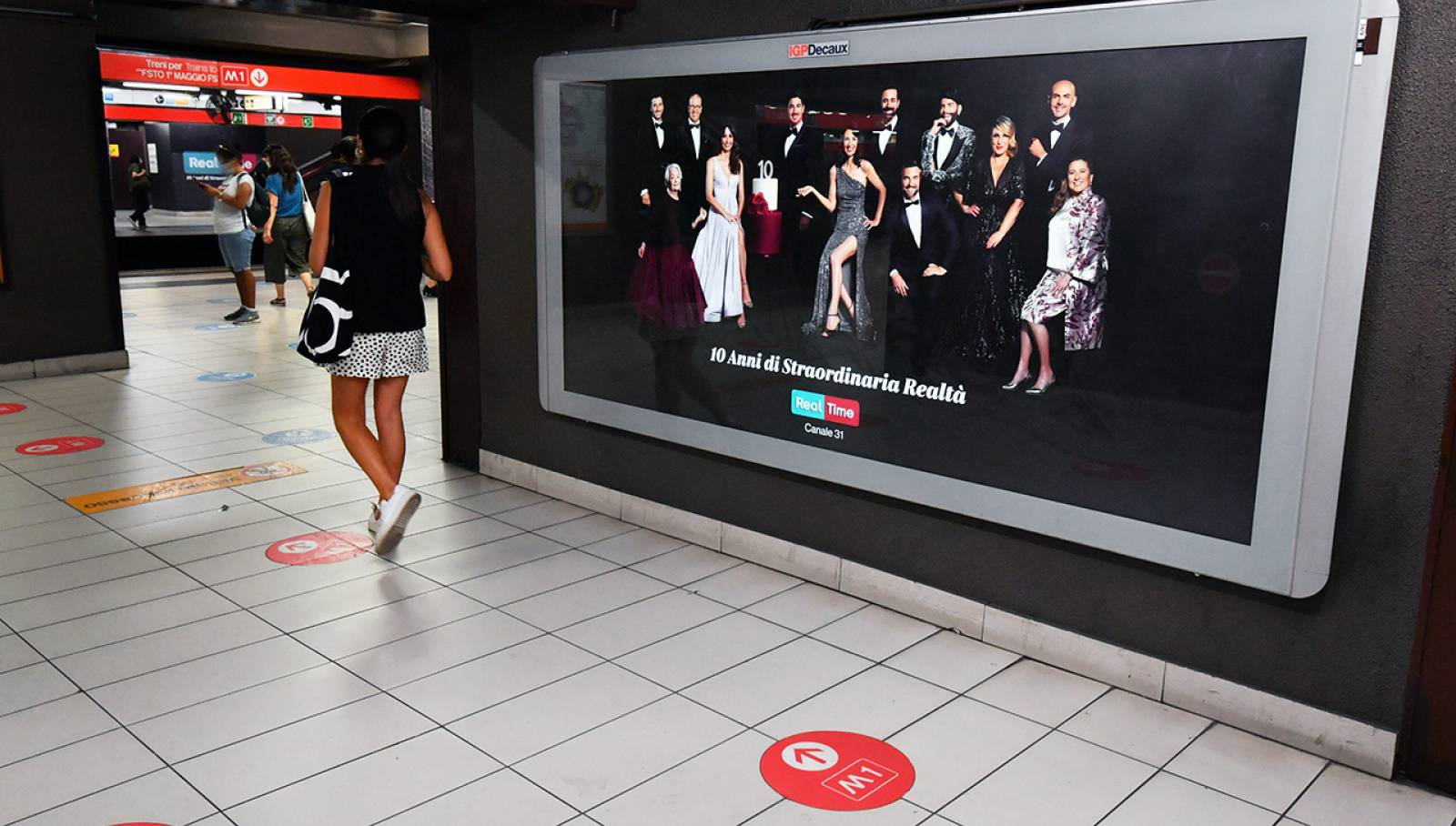 Outdoor advertising IGPDecaux Station Domination a Milano per Discovery real Time