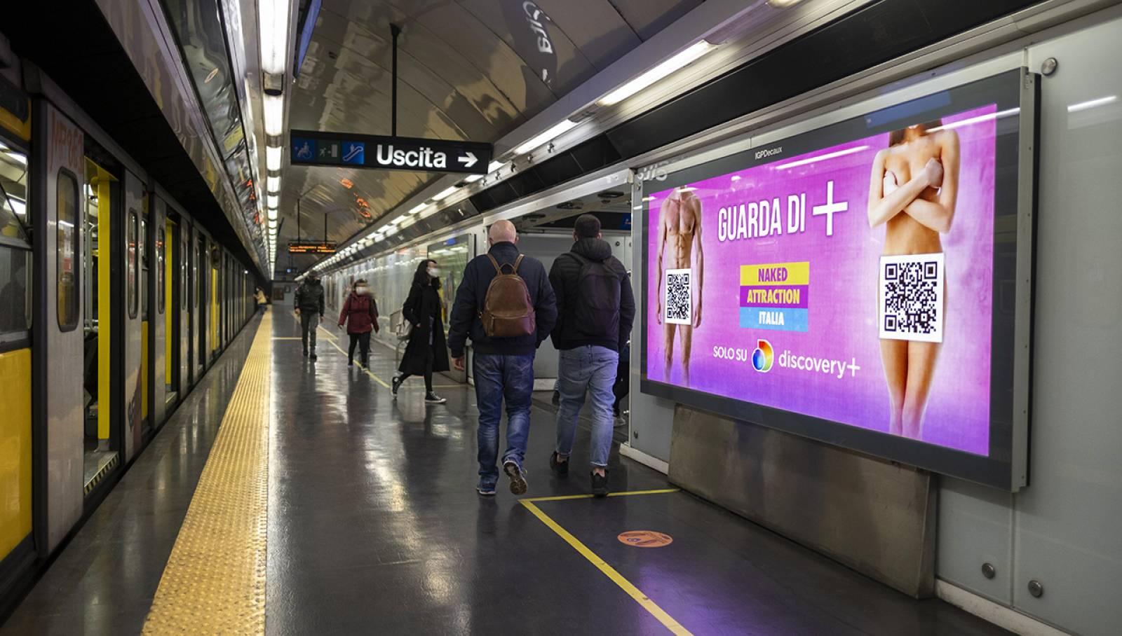 Pubblicità in metropolitana a Napoli IGPDecaux Circuito Mini per Discovery Italia
