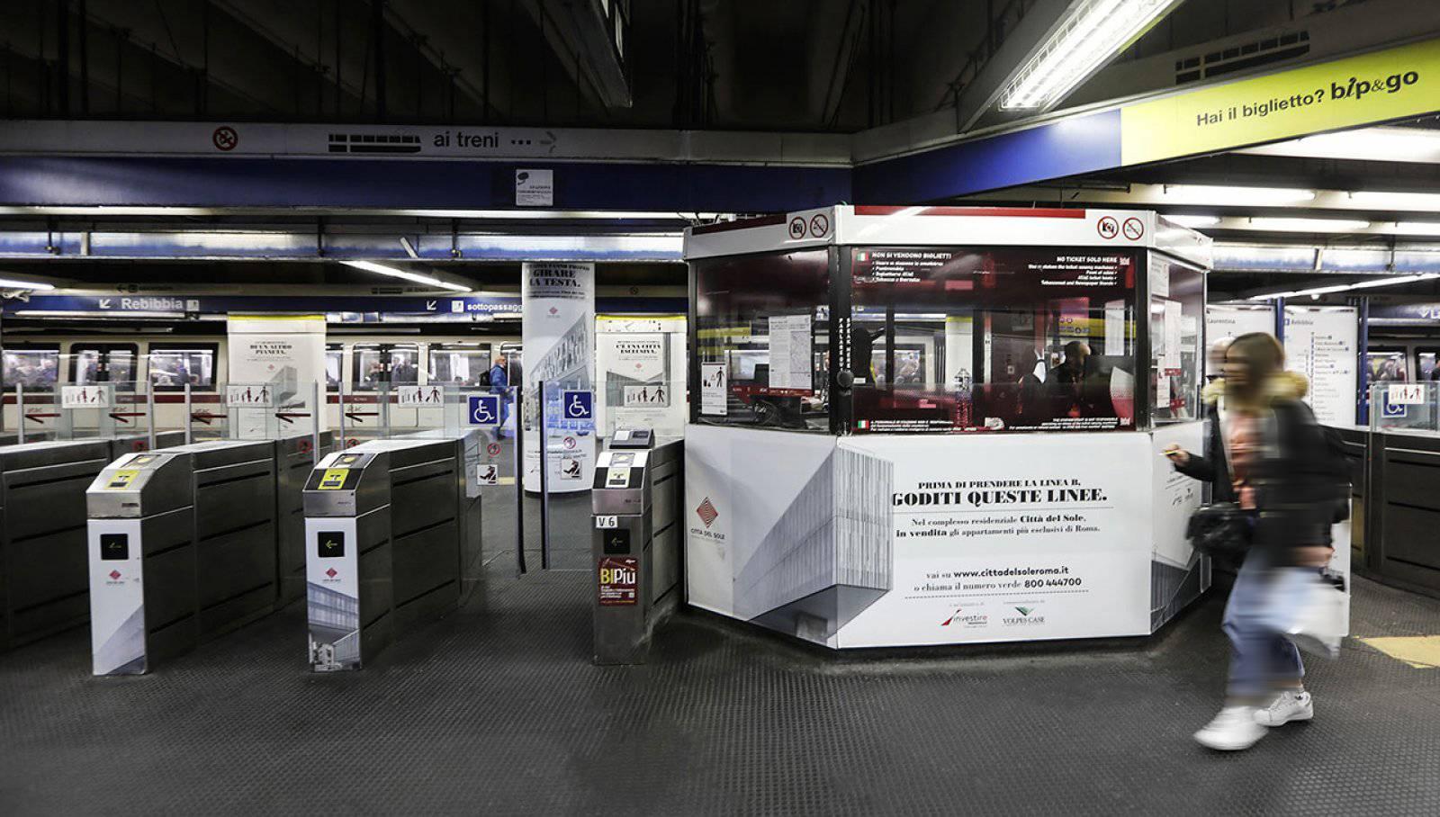 Pubblicità Out Of Home IGPDecaux a Roma station domination per Città del Sole