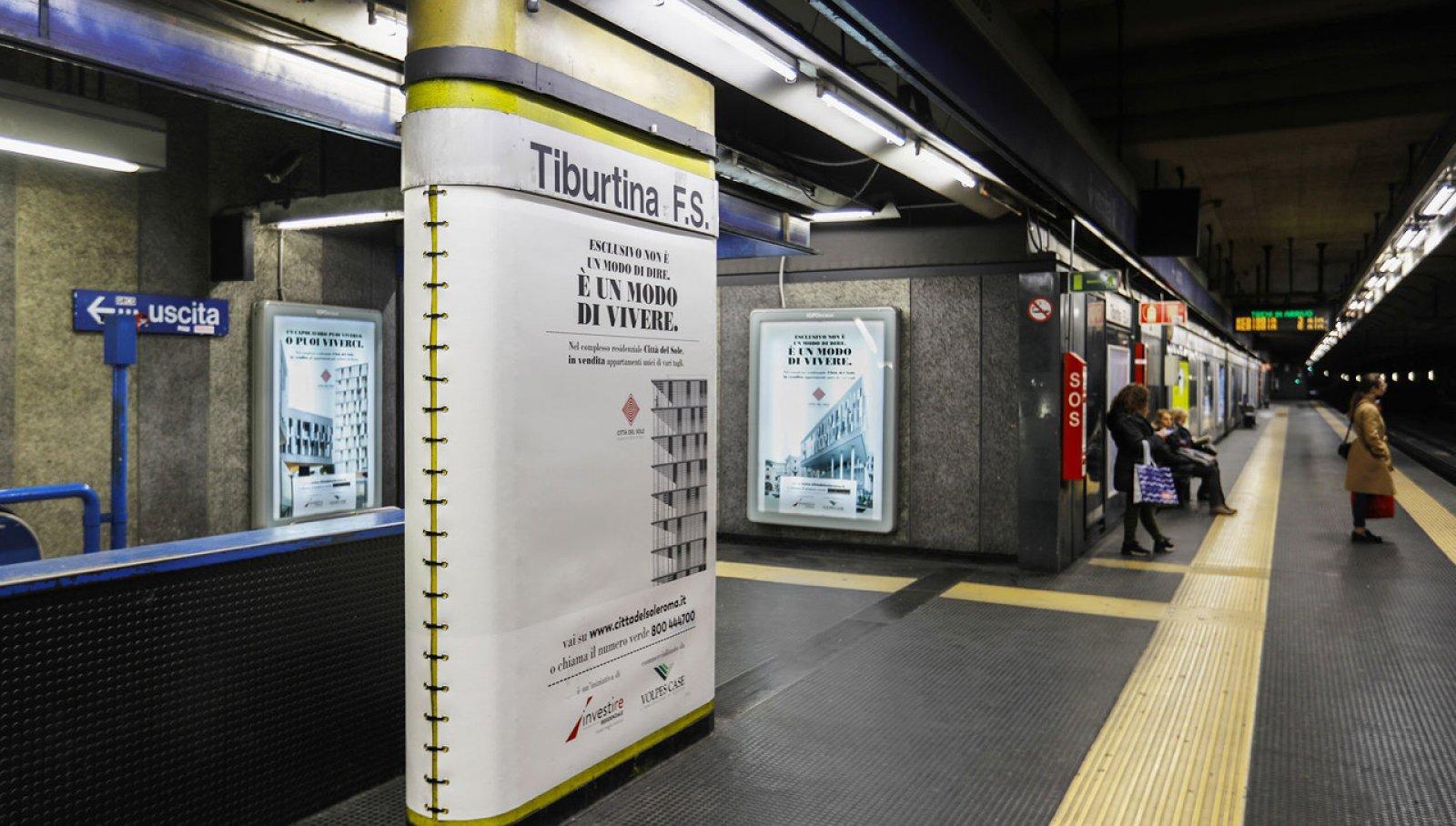 Pubblicità metro Roma IGPDecaux station domination per Città del Sole