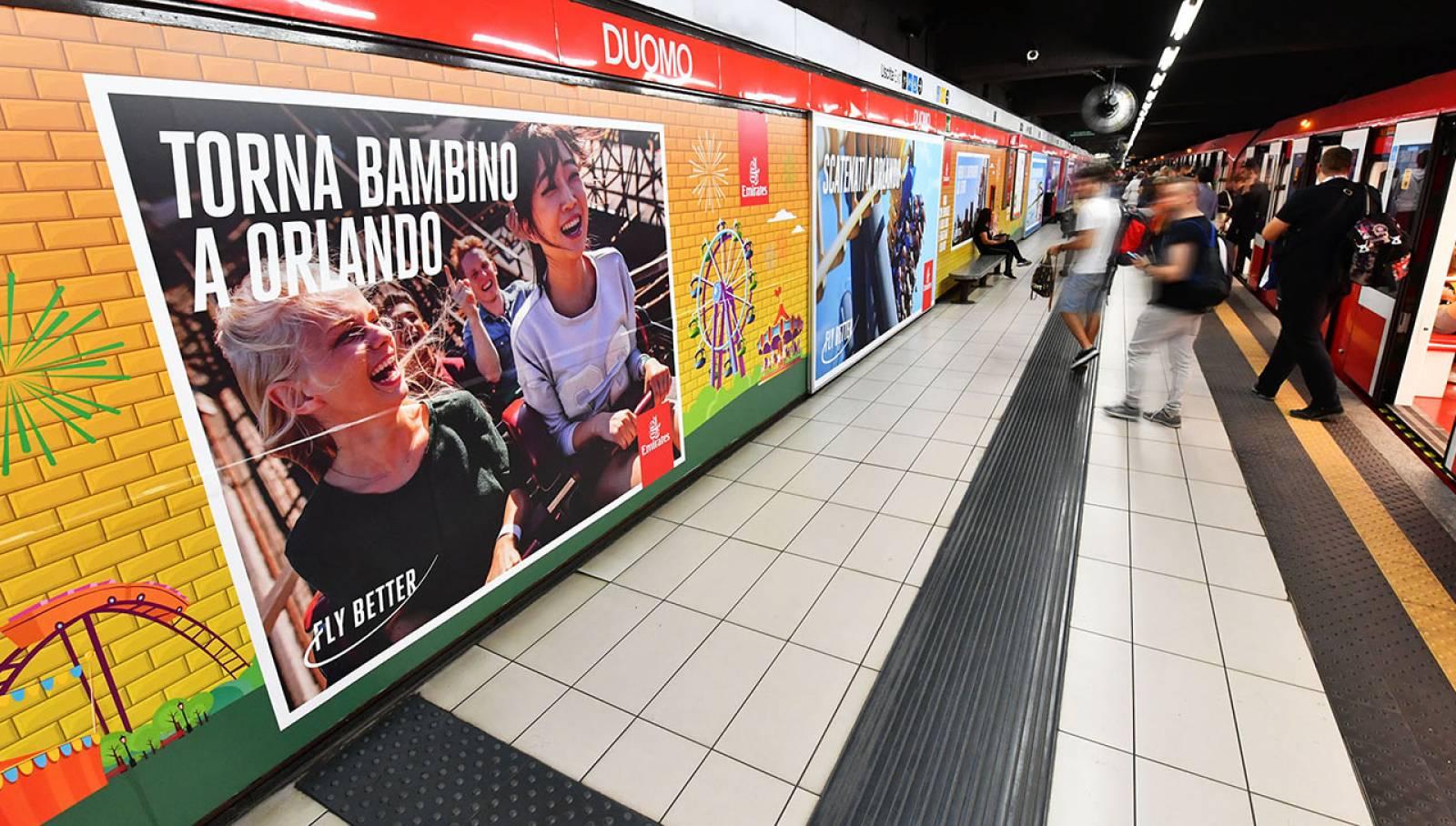 Pubblicità OOH IGPDecaux Station Domination a Milano per Emirates