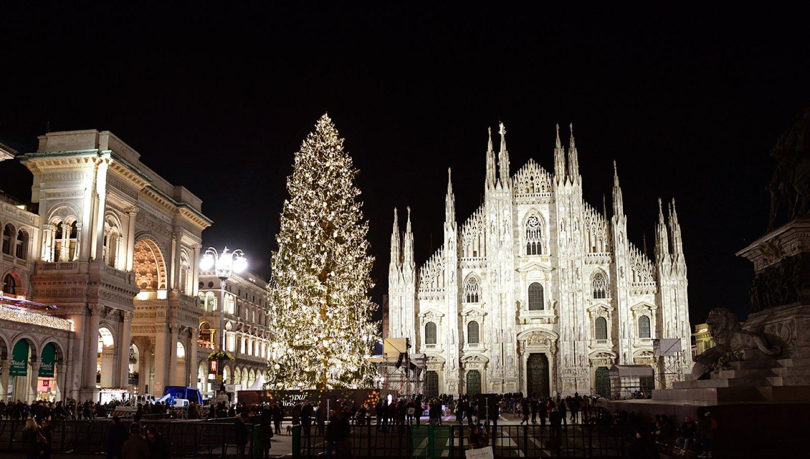 Il Natale a Milano IGPDecaux Albero SKY
