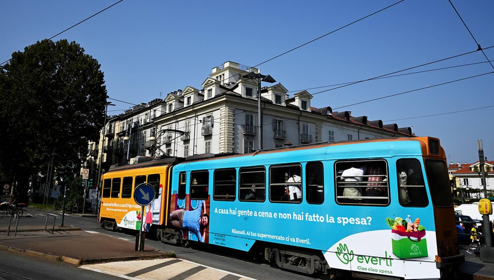 Pubblicità Out of Home a Torino IGPDecaux Full-Wrap per Everli