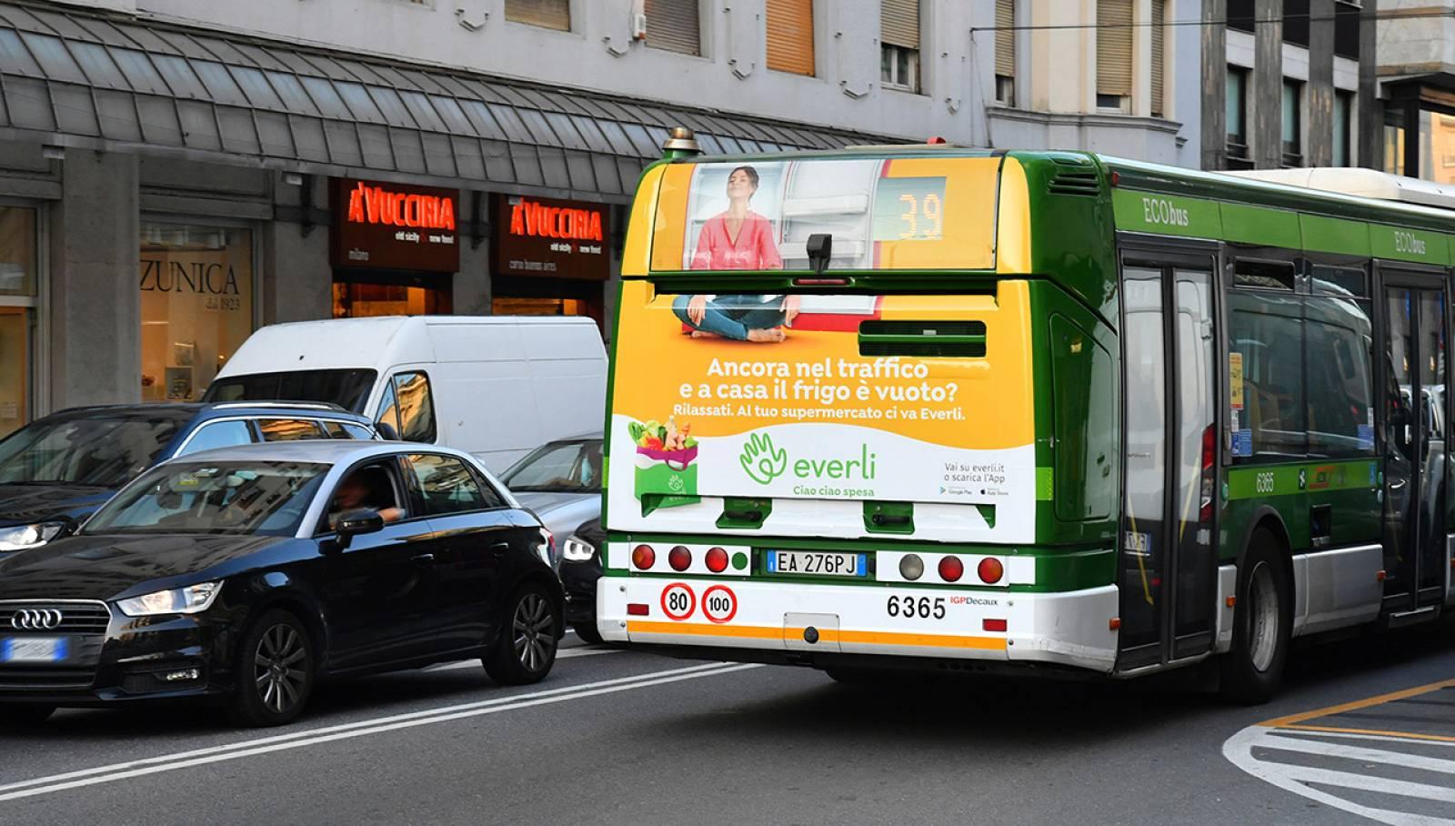 Pubblicità su autobus IGPDecaux Full-Back per Everli a Milano