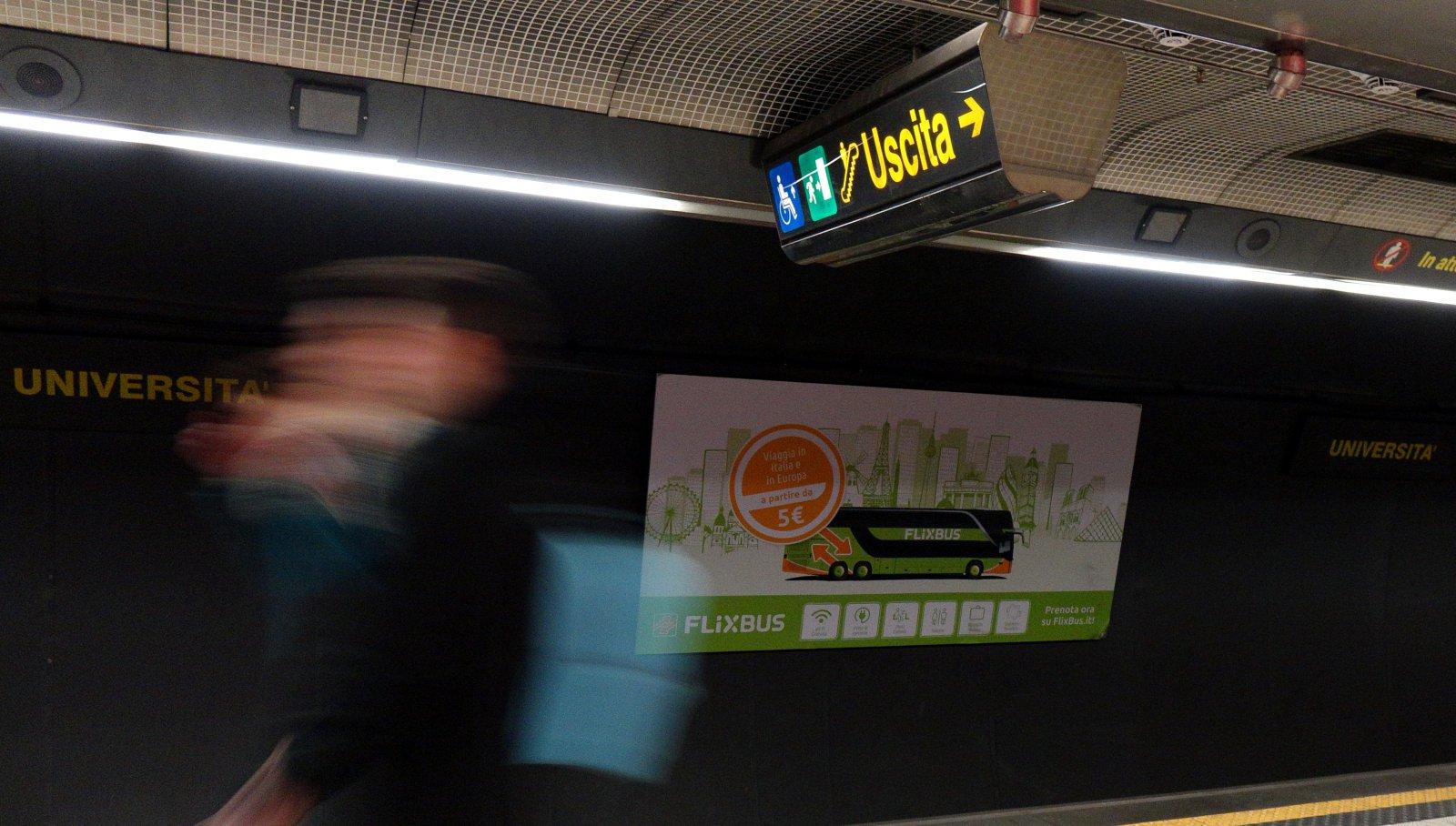 Pubblicità metro Napoli Station Domination per Flixbus IGPDecaux