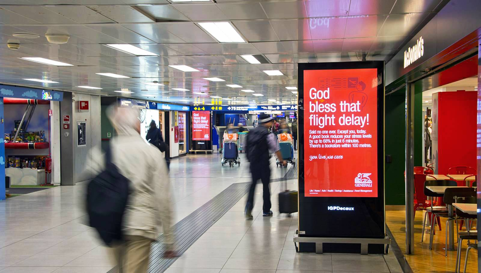 Linate airport advertising IGPDecaux airport digital network for Generali