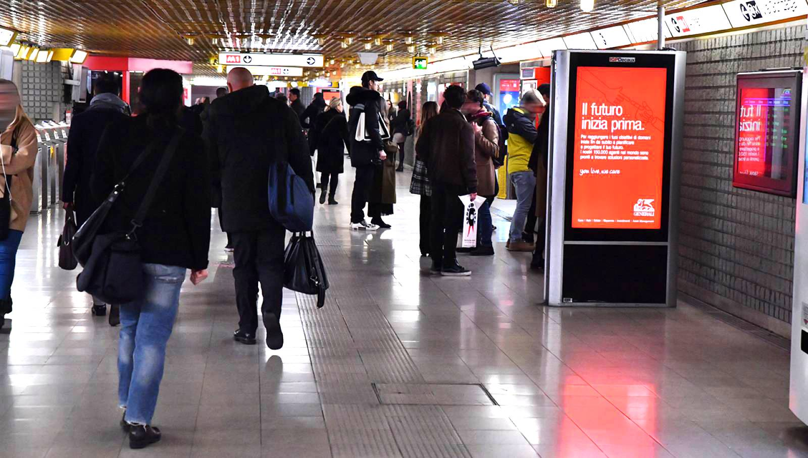 out of Home IGPDecaux Milan underground digital network for Generali