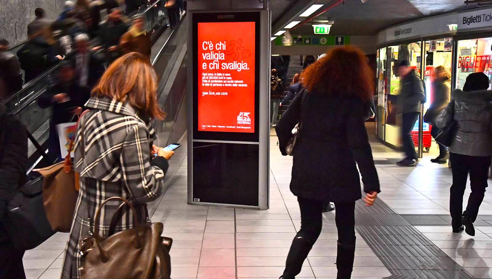 Underground advertising IGPDecaux Milan digital network for Generali
