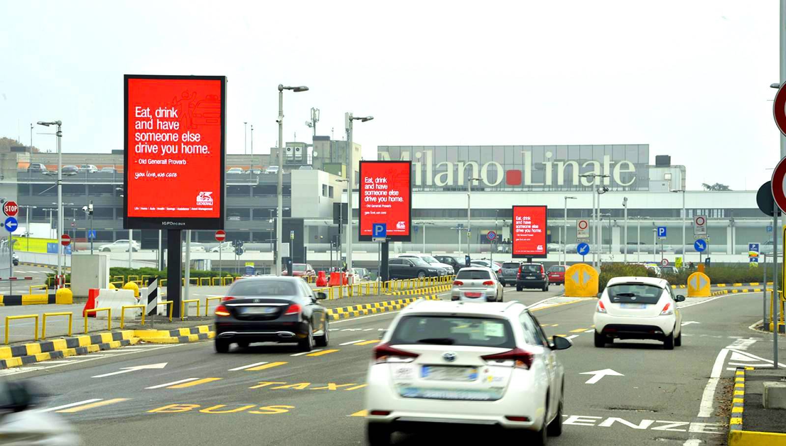 IGPDecaux airport advertising 8sq m at Linate for Generali