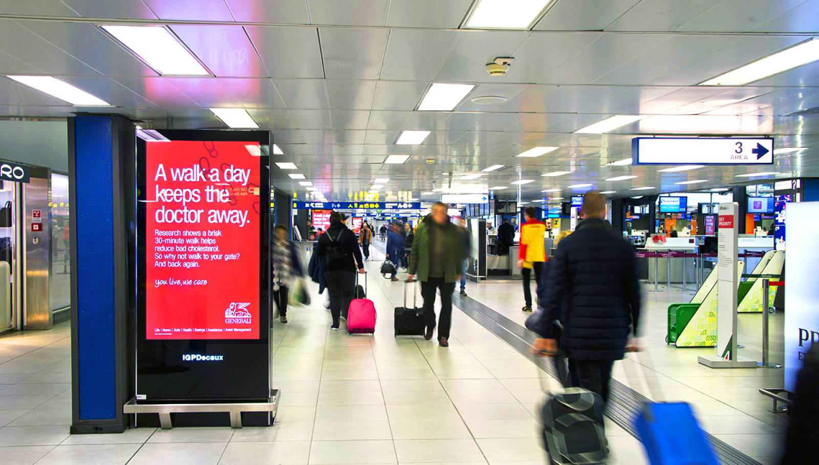 Airport advertising IGPDecaux digital network for Generali at Linate