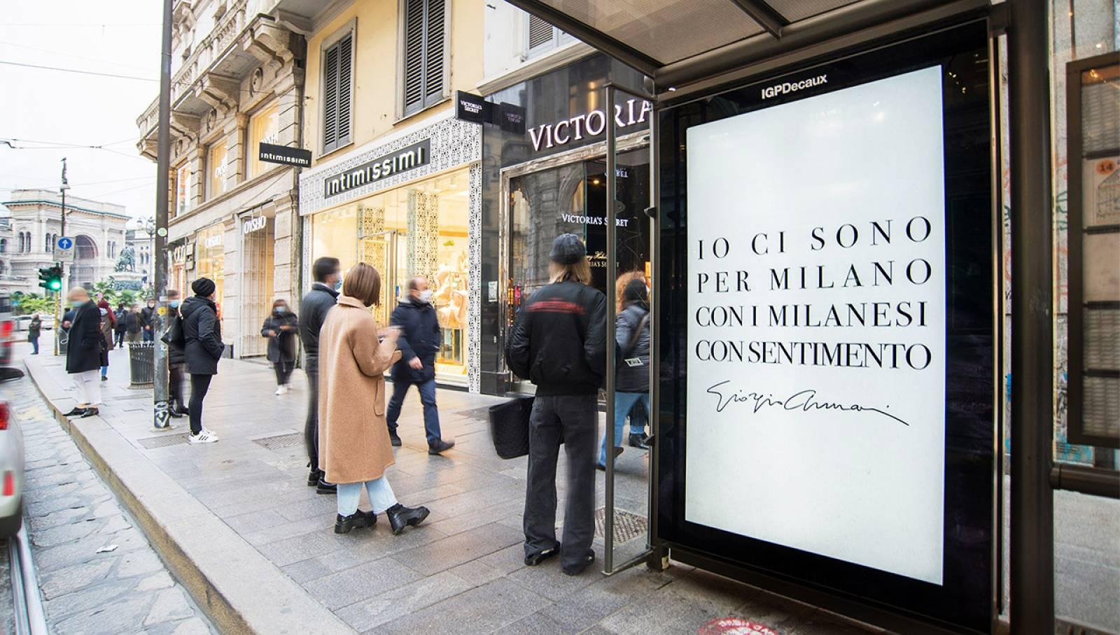 pubblicità sulle pensiline IGPDecaux a Milano Network Vision per Giorgio Armani
