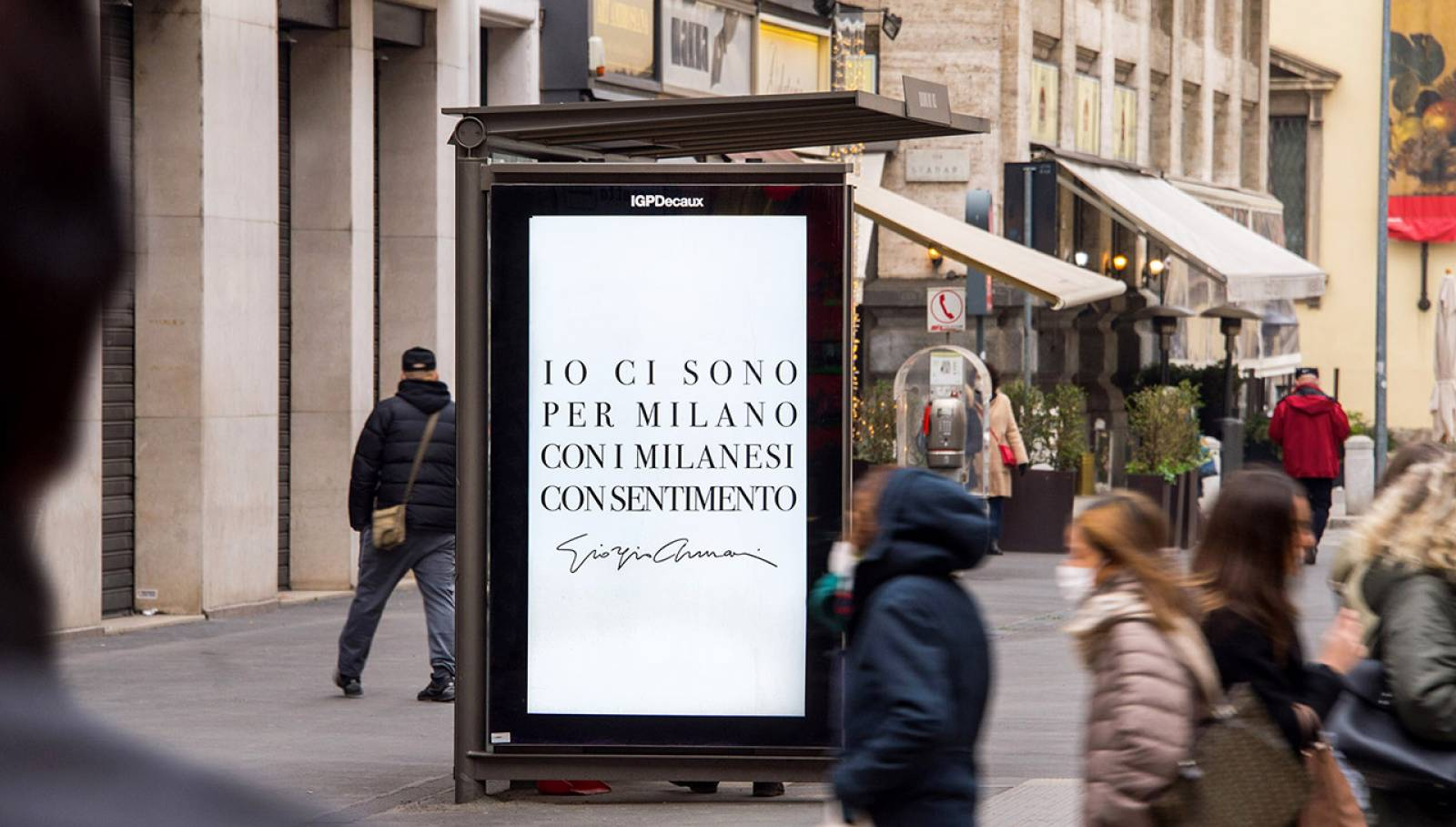 Digital Out Of Home IGPDecaux a Milano Network Vision per Giorgio Armani