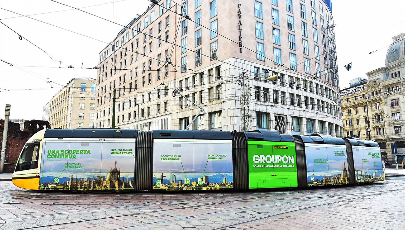 OOH Advertising in Milan Full-Wrap IGPDecaux for Groupon