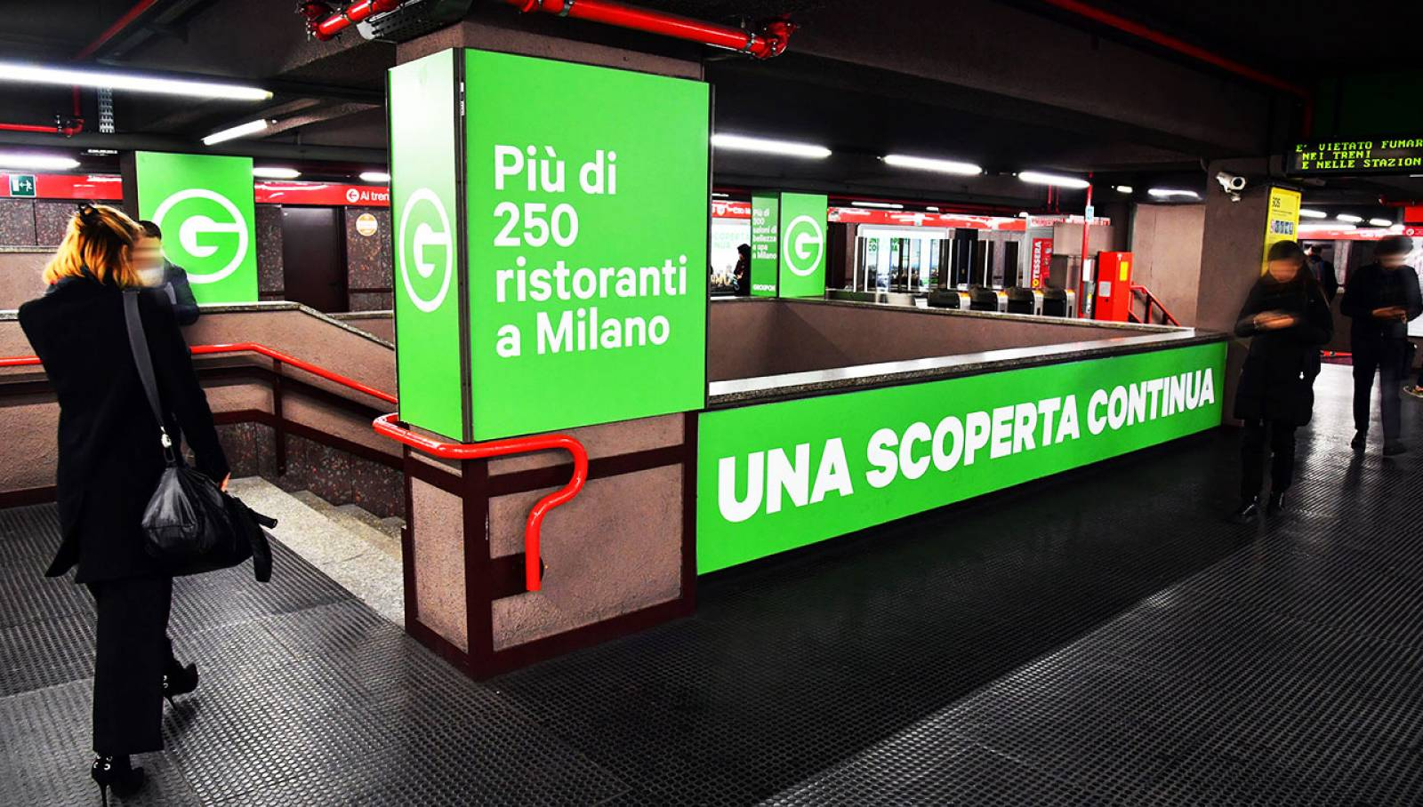 Underground advertising in Milan Station Domination IGPDecaux for Groupon