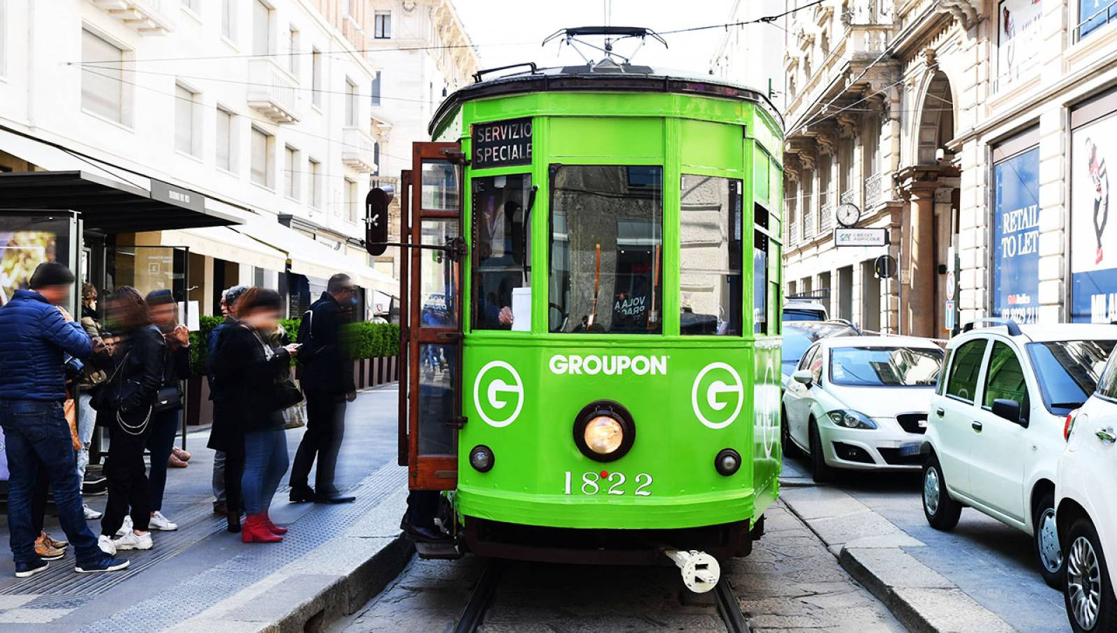 IGPDecaux Milan special tram for Groupon