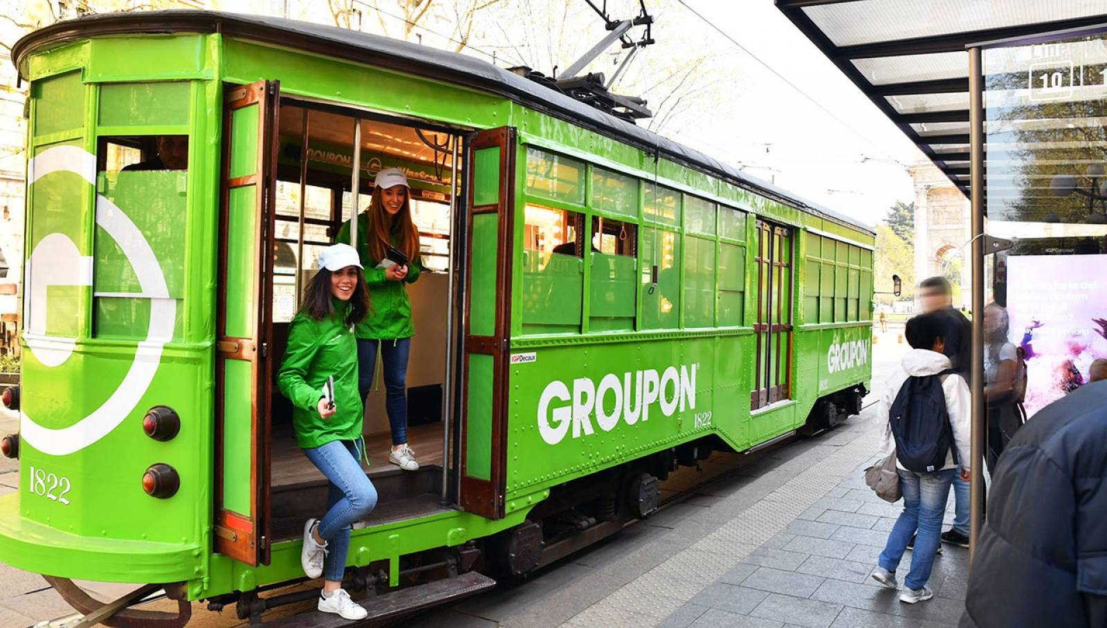 Outdoor advertising IGPDecaux tram for Groupon in Milan