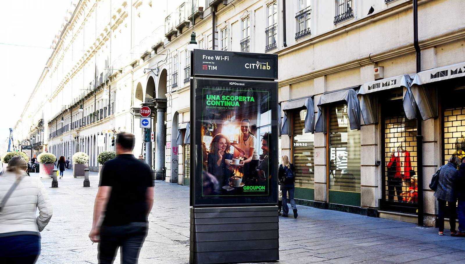 IGPDecaux out of home advertising MUPI per Groupon a Torino