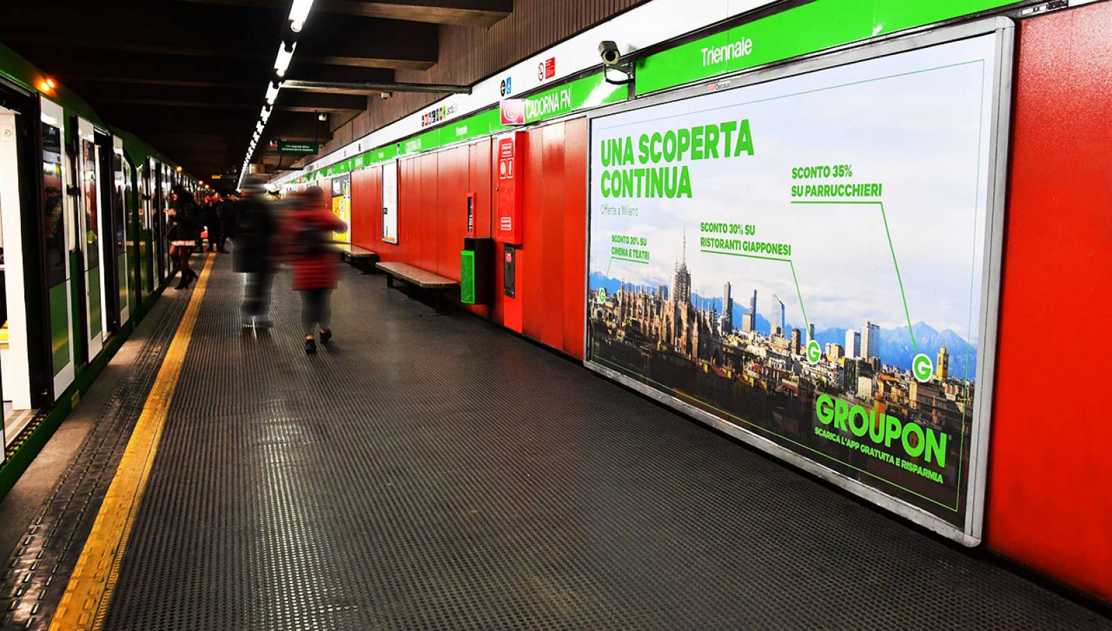 Underground advertising in Milan Maxi Network IGPDecaux for Groupon