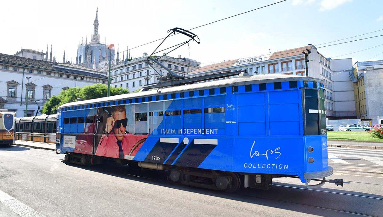 Pubblicità tram Milano IGPDecaux tram speciale per Italia Independent