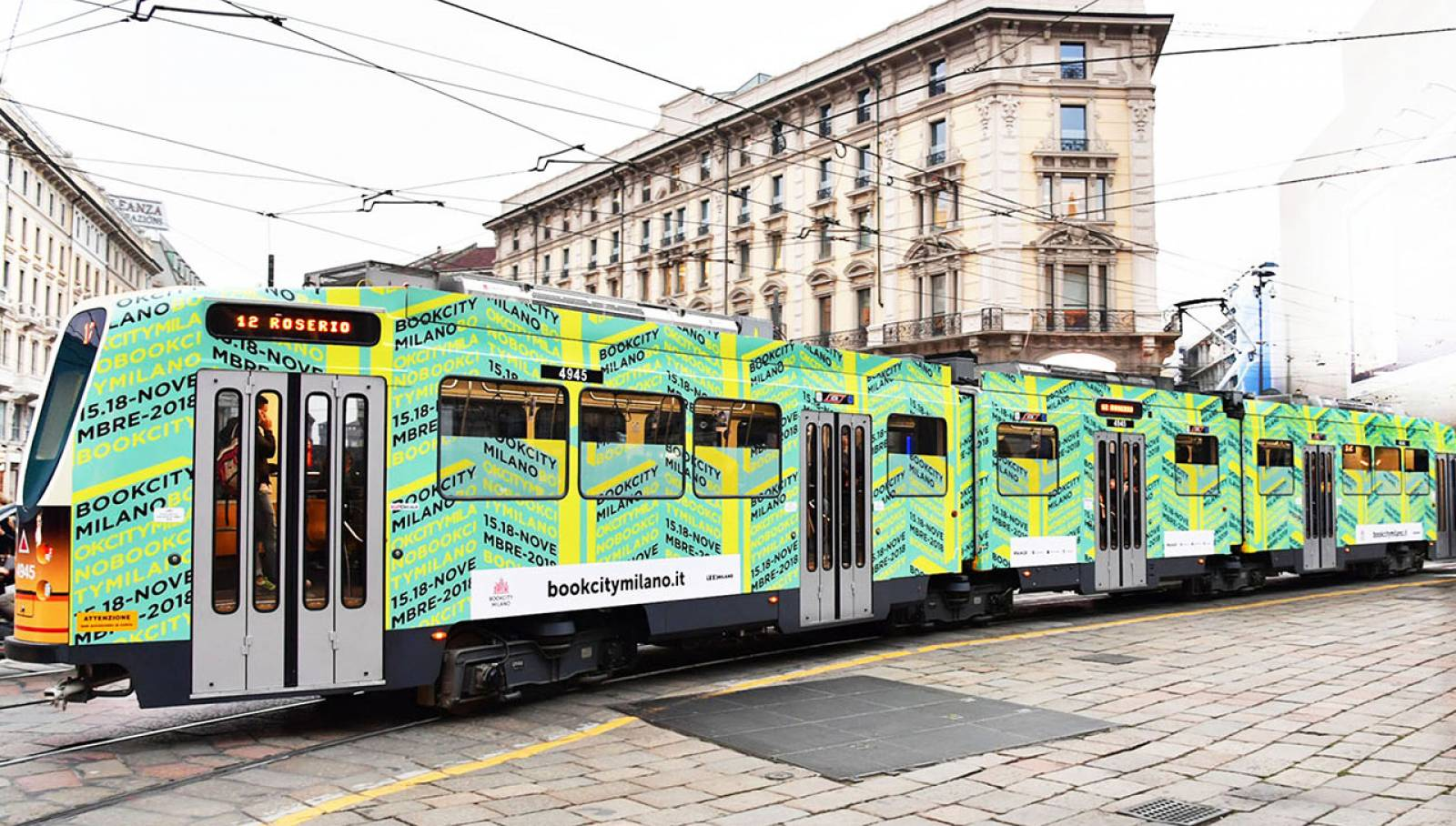 Advertising in Milan IGPDecaux tram for BookCity