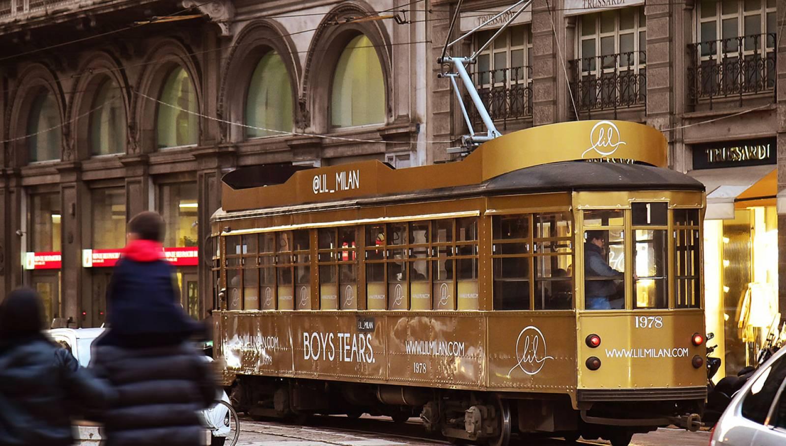Pubblicità Out of Home IGPDecaux Milano tram decorato per LIL