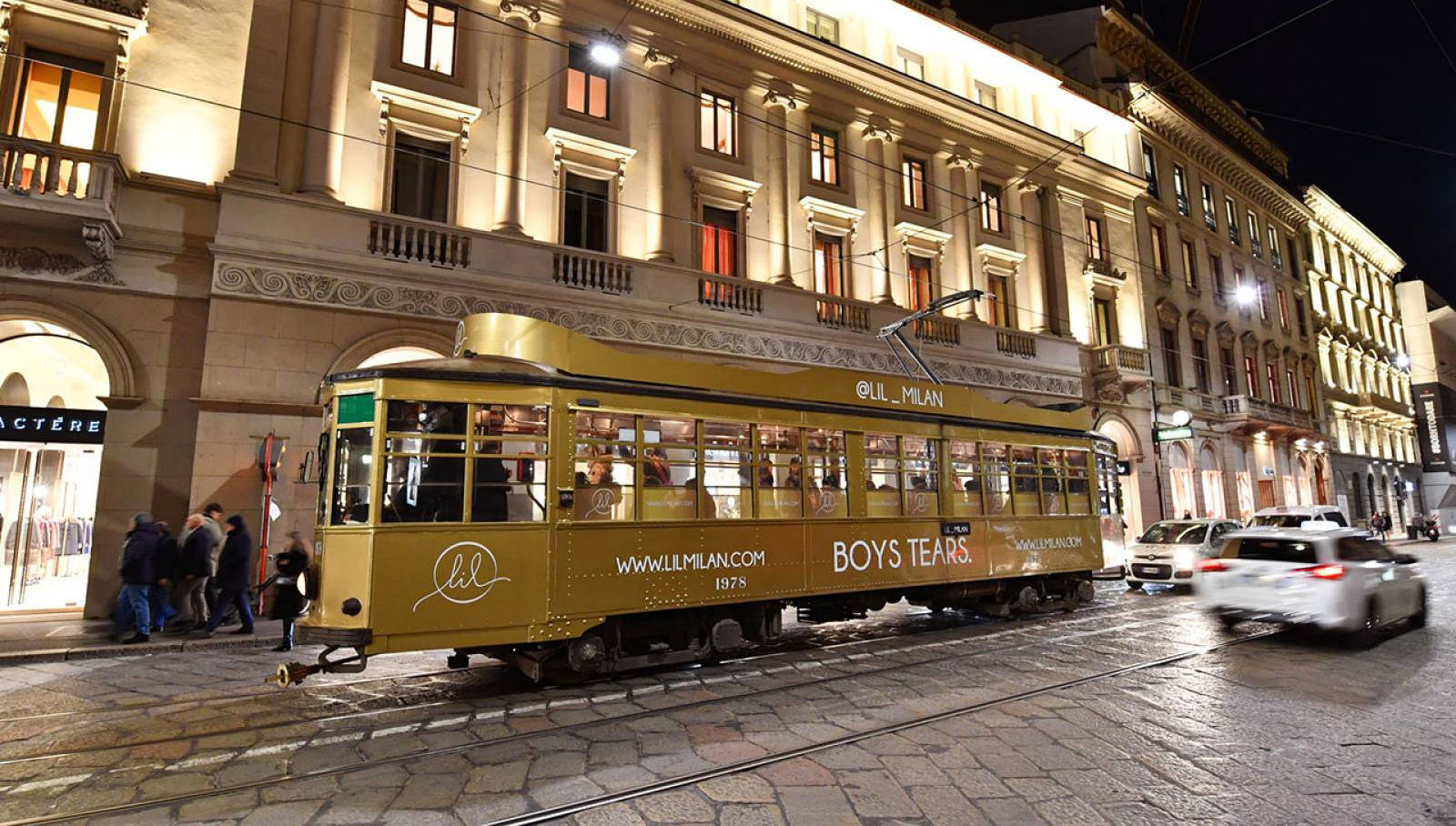Out of Home IGPDecaux tram decorato per LIL a Milano