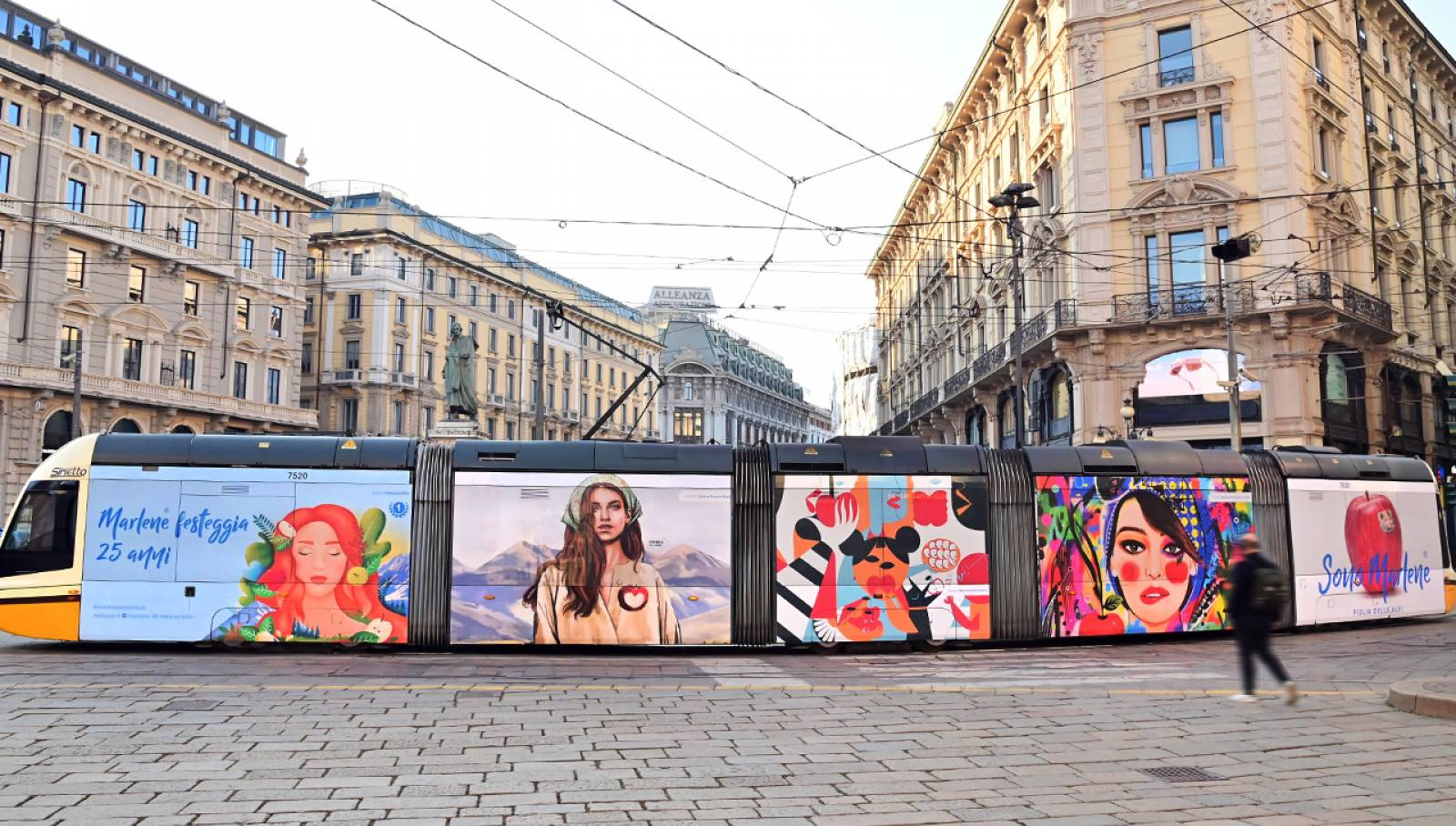 OOH advertising a Milano Full-Wrap IGPDecaux per Marlene